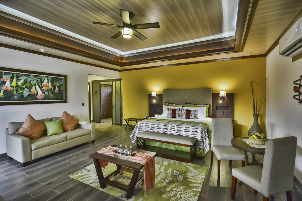 Hotel Arenal Springs   Master Suite
